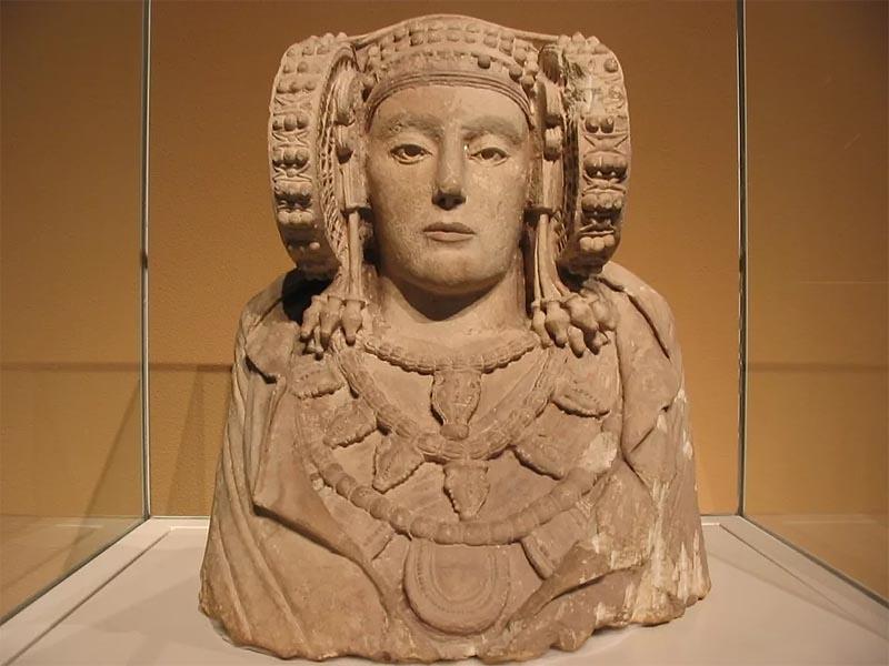 Дама из Эльче - памятник иберийской культуры