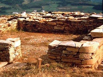 Останки поселения астуров II в. до н.э. в Кастро-де-Сан-Чуис