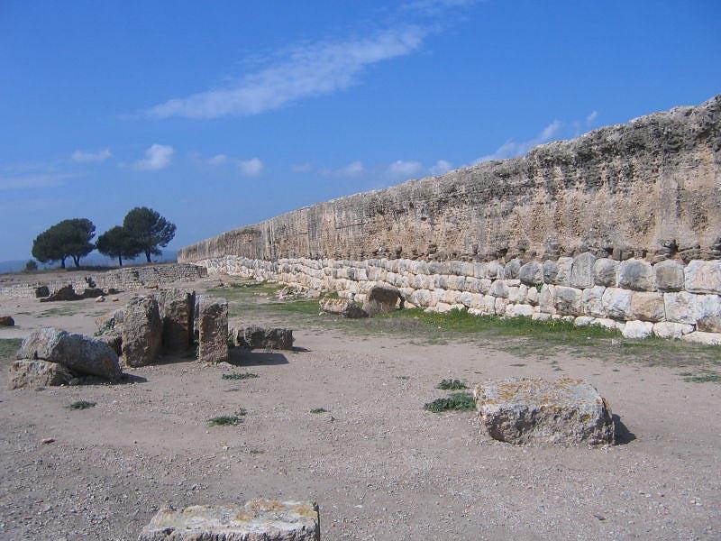 Римская стена в Ампурии, опорная точка Древнего Рима в �спании