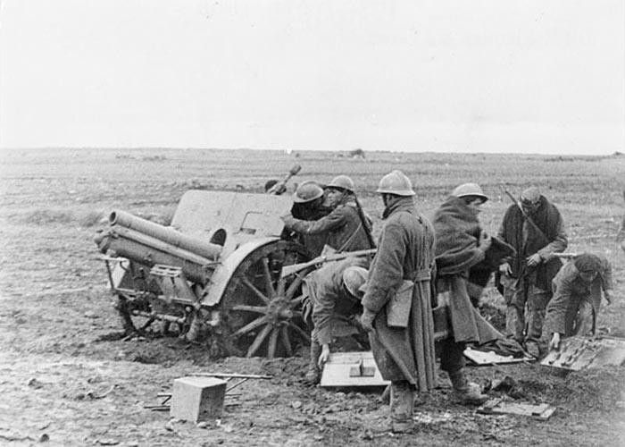 �тальянский артиллерийский расчет франкистов в Гвадалахарском сражении (1937 г.)