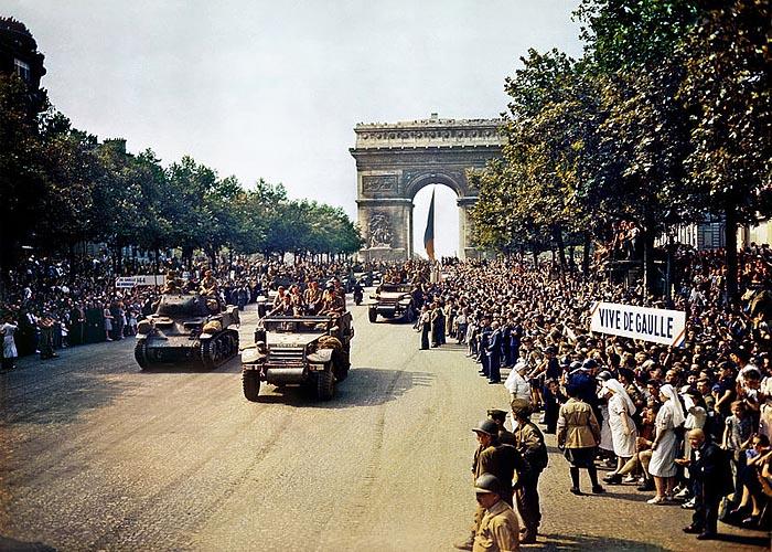 Рота  La Nueve 2-й бронетанковой дивизии входит в Париж (24 августа 1944 г.)