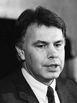 Фелипе Гонсалес — испанский государственный и политический деятель, премьер-министр �спании с 1982 по 1996 годы