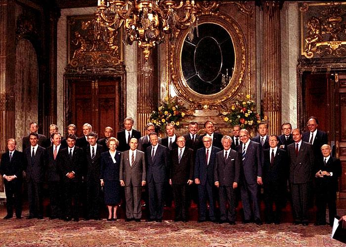 Ф. Гонсалес на встрече с европейскими политками в Брюсселе (1987 г.)