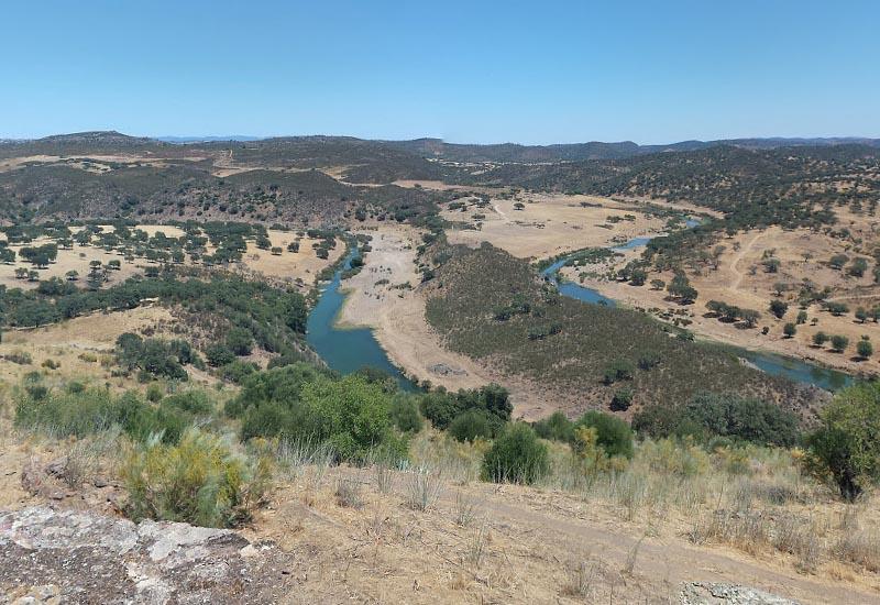 Граница �спании и Португалии (долина реки Ардила)
