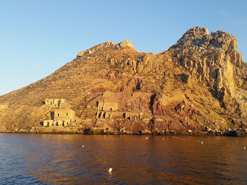Остров Фрайле (Isla del Fraile) в Мурсии