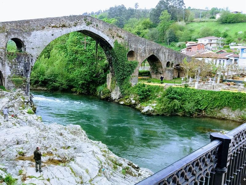 Селья (Sella) - небольшая река северной Испании