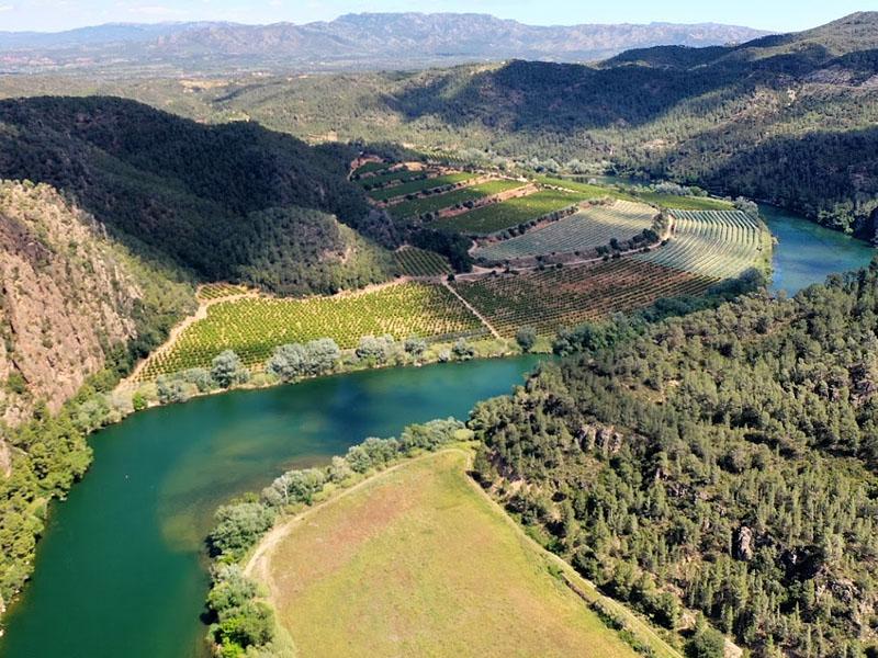 Река Эбро (Ebro) в нижнем течении