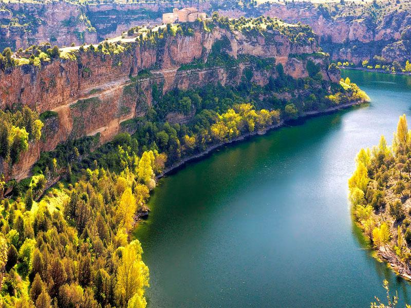 Река Дуэро (Duero) на границе Португалии и Испании
